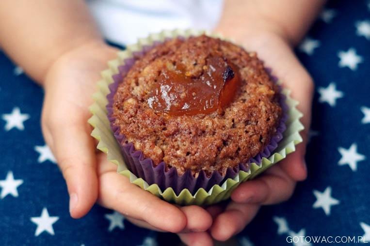 Muffiny pomarańczowo-orzechowe